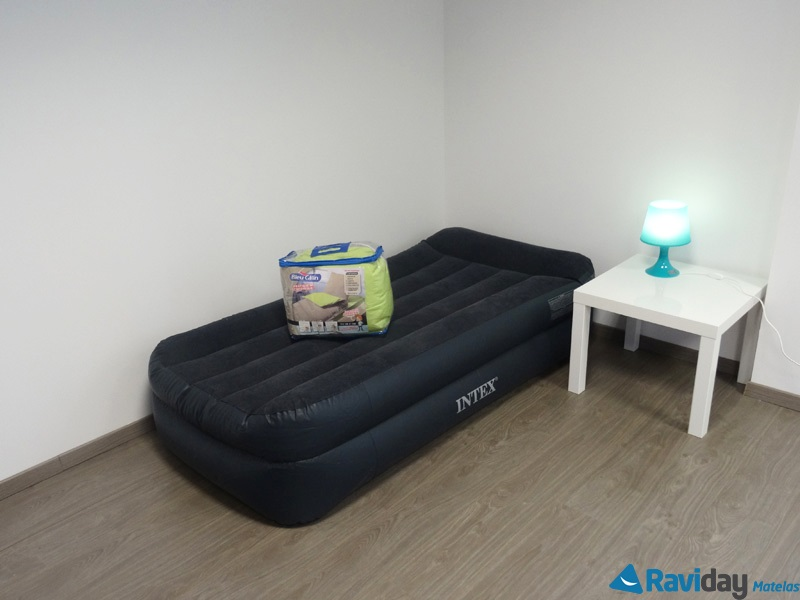 Matelas lectrique gonflable simple 1 place intex rest bed - Prix matelas 1 place ...
